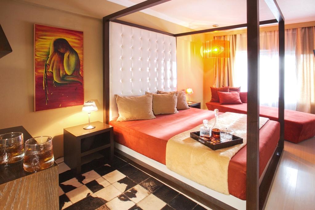 Plaza art hotel thessaloniki 3 star thessaloniki hotel for Design hotel chain